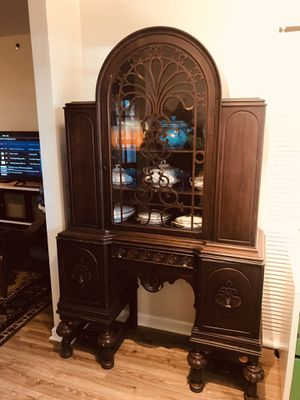 Rare Antique Jacobean English Style Walnut Hutch China Cabinet Early 1900's (moving out of state) for Sale in Odenton, MD