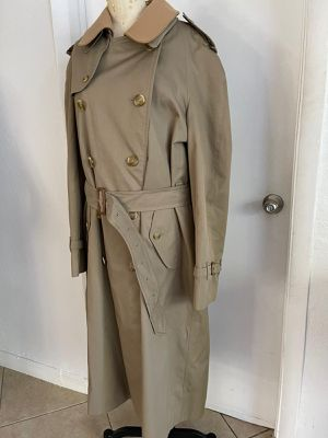 Burberry Trenchcoat for Sale in North Miami, FL
