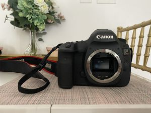 Canon EOS 5DS R for Sale in Los Angeles, CA