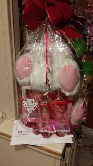 Valentines day gift basket for Sale in San Diego, CA
