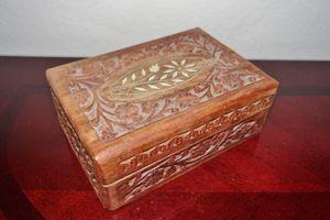 (FREE DELIVERY) vintage hand-carved wooden trinket box for Sale in Las Vegas, NV