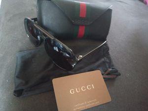 Gucci sunglasses for Sale in Detroit, MI