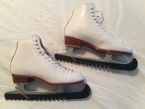 Women's Leather Riedell ice skates - size 7, Perfect Condition!! $50 for Sale in Herndon, VA