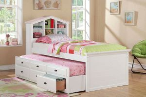 WHITE FINISH TWIN SIZE DOLLHOUSE THEME BOOKCASE BED DRAWERS TRUNDLE CAPTAIN'S BED for Sale in Whittier, CA