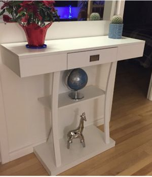 White console table for Sale in St. Louis, MO