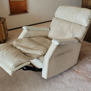 Free Recliner Chair for Sale in Downey, CA