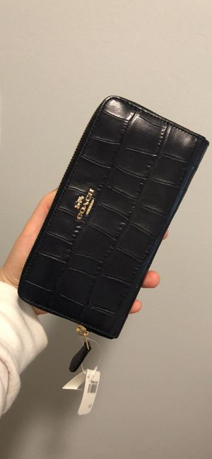 Coach long wallet for Sale in Queens, NY