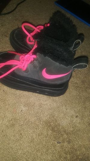 Toddler Girl Nike Boots for Sale in St. Louis, MO