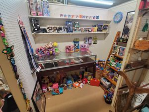 BRAND NEW TOY / COLLECTABLE / VIDEO GAME BOOTH AT THE VILLAGE SAMPLER!!! for Sale in Winter Haven, FL