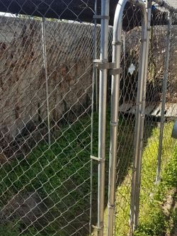 Petsafe Extra Large Dog Run/Kennel for Sale in Pomona,  CA