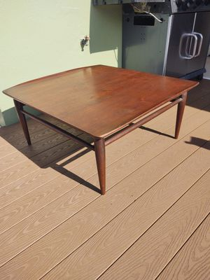 Gorgeous mid-century solid walnut wood Bassett coffee table for Sale in Clearwater, FL