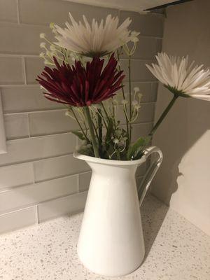 White Vase w. Flowers for Sale in Miami, FL