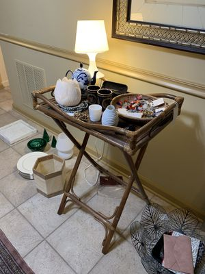 Rattan Tray Table vintage for Sale in Penndel, PA
