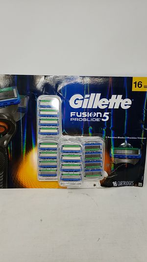 Gillete Fusion 5 Proglide Razor Replacement Cartridges, Set of 16 for Sale in Fresno, CA