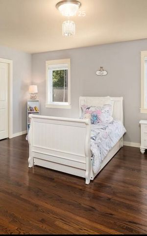 Twin bed, with trundle and 2 matresses for Sale in Redmond, WA