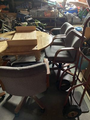 6 height adjustable chairs 🪑 for Sale in Madera, CA