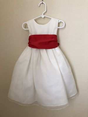 Flower girl dresses size 2T and 4T for Sale in Miami, FL