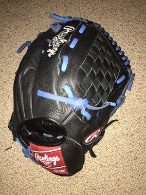 Baseball glove for Sale in Gilbert, AZ