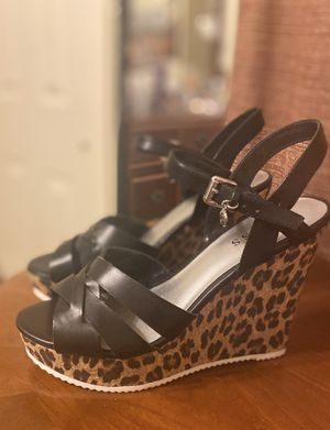 Guess Platforms size 7 1/2 women's for Sale in El Paso, TX