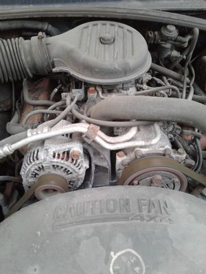 6 cylinder engine out of 99 dodge Dakota. for Sale in OH, US