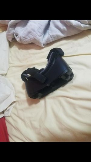 Gear vr headset for a Samsung that uses a micro USB for Sale in Powder Springs, GA