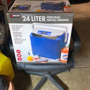 Plug In Car Cooler/warmer for Sale in Culver City, CA