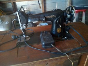 1947 singer sewing machine for Sale in Haines City, FL