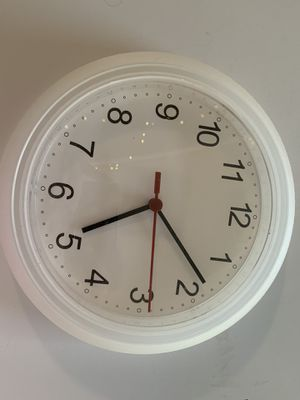 Wall clock for Sale in Starkville, MS