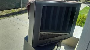 22 × 30 inch Sony Trinitron tv with stand for Sale in Colton, CA
