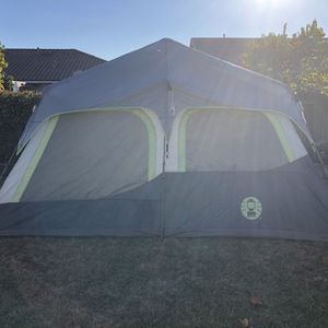 Coleman Instant Set up Tent - 10 person capacity - 14x10x7 for Sale in Rancho Cordova, CA