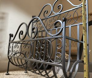 Metal magazine rack for Sale in Spring, TX