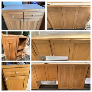 REDUCED PRICE! HICKORY KITCHEN CABINETS for Sale in Tacoma, WA