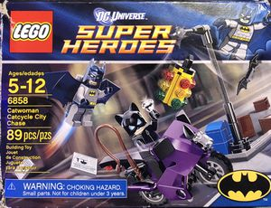 Lego Batman: Catwoman Catcycle City Chase for Sale in Hemet, CA