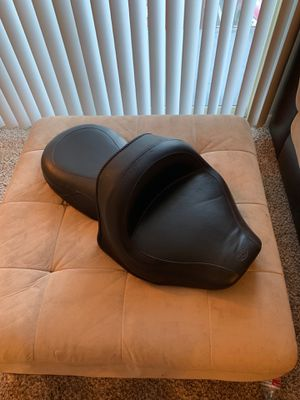 MAKE OFFER Yamaha v star 1300 Mustang motorcycle seat for Sale in Lynnwood, WA