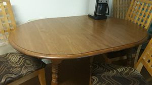 dining room table and 4 chairs for Sale in Clearwater, FL