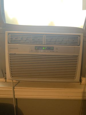 Frigidaire window AC unit 6000BTU for Sale in Vista, CA