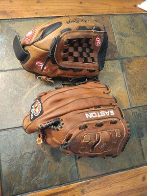Baseball gloves for Sale in Gardena, CA