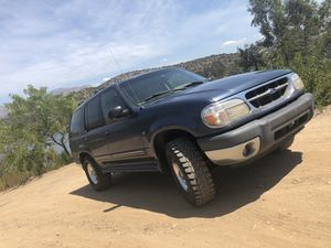 2000 Ford Explorer XLT V8 for Sale in Lakeside, CA