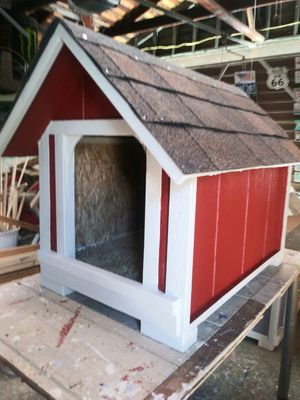 New dog house small- medium (must wear mask) $70 firm for Sale in Colton, CA