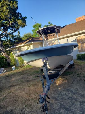 2007 Carolina Skiff Center console 218 4 stroke Suzuki 125 for Sale in Los Angeles, CA