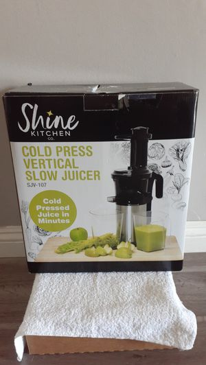 Shine Kitchen Cold Press Vertical Slow Juicer Brand New (Price is Firm) for Sale in Gardena, CA
