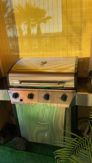 Gas bbq grill for Sale in Rancho Cucamonga, CA