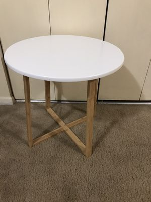 "Still available one contemporary round wood side table 20x20"" pick up Gaithersburg md20877 for Sale in Gaithersburg, MD"