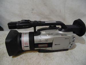 Canon GL2A 3CCD Digital Video Camera 100X Zoom NTSC Professional Mini DV Japan for Sale in Lansdowne, PA