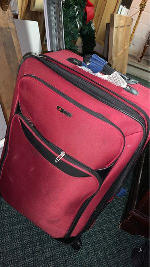 Red Tag suitcase for Sale in Hazleton, PA