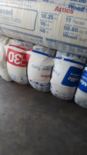 Insulation for walls 2x4 R15x15 cover 87 square feet each bag the price is for each for Sale in Corona, CA