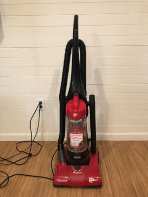 Dirt Devil Featherlite vacuum for Sale in Seal Beach, CA