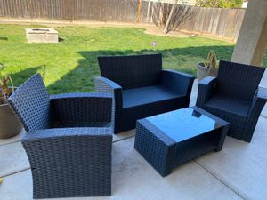 Outdoor patio sitting area and Umbrella for Sale in Fresno, CA