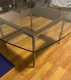 Glass Top Coffee Table for Sale in La Mesa,  CA