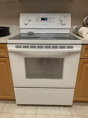 """Whirlpool """"Gold"""" Oven - GREAT condition for Sale in Charlotte, NC"""